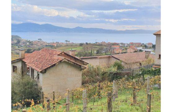 Casa en venta en Sanxenxo, Pontevedra, Calle Centro Lamela-la Regata, 216.000 €, 4 habitaciones, 5 baños, 395 m2