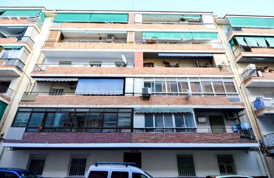 Piso en venta en Los Ángeles, Alicante/alacant, Alicante, Calle Señorita de Trevelez, 33.600 €, 3 habitaciones, 1 baño, 81 m2