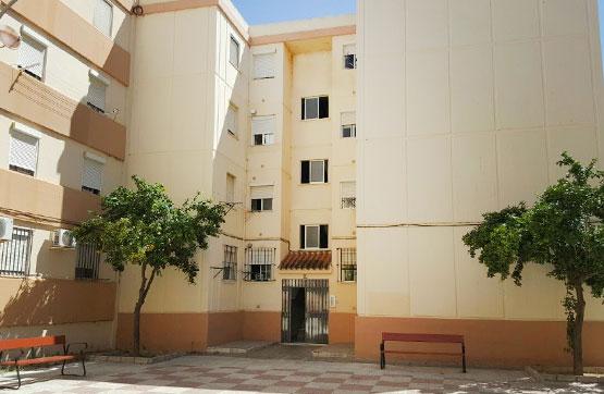 Piso en venta en Las Canteras, Puerto Real, Cádiz, Calle los Barrios, 64.050 €, 3 habitaciones, 1 baño, 81 m2