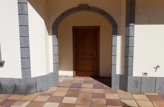 Casa en venta en La Montañeta, la Palmas de Gran Canaria, Las Palmas, Calle Procurador Jose Rivero Marrero, 400.000 €, 8 habitaciones, 4 baños, 325 m2