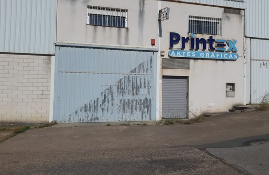 Industrial en venta en Suerte de Saavedra, Badajoz, Badajoz, Avenida Madrid N-v, 96.700 €, 303 m2