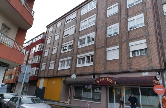 Local en venta en Vilagarcía de Arousa, Pontevedra, Calle Concepcion Arenal, 63.000 €, 150 m2