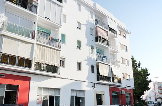 Piso en venta en Barriada Islas Canarias, Estepona, Málaga, Calle El Greco, 85.000 €, 3 habitaciones, 1 baño, 69 m2