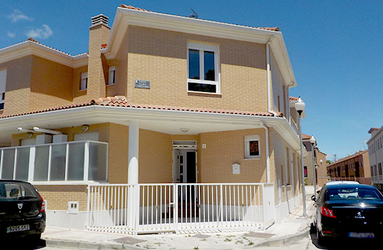 Casa en venta en Venta de Baños, Palencia, Calle Clara Campoamor, 91.500 €, 3 habitaciones, 1 baño, 88 m2