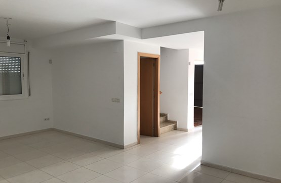 Casa en venta en Casa en Mont-roig del Camp, Tarragona, 153.000 €, 3 habitaciones, 3 baños, 104 m2