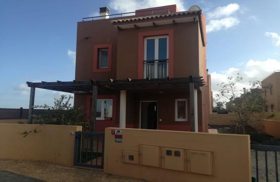 Casa en venta en Geafond, la Oliva, Las Palmas, Urbanización Mirador de la Dunas, 199.000 €, 3 habitaciones, 2 baños, 113 m2