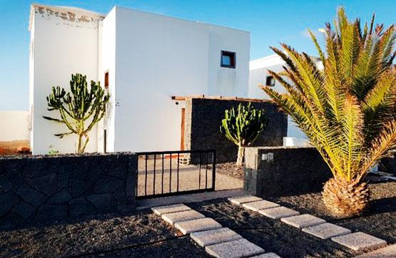 Casa en venta en Playa Blanca, Yaiza, Las Palmas, Calle Plan Parcial Playa Blanca, 230.000 €, 3 habitaciones, 2 baños, 119 m2