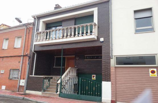 Casa en venta en Valladolid, Valladolid, Calle Luna, 321.600 €, 5 habitaciones, 3 baños, 250 m2