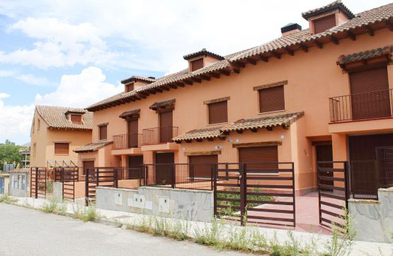Casa en venta en El Espinar, Segovia, Calle Alcalde Gregorio Nuñez, 190.530 €, 3 baños, 218 m2