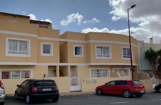 Piso en venta en Puerto del Rosario, Las Palmas, Calle los Sabandeñor, 110.400 €, 3 habitaciones, 1 baño, 95 m2