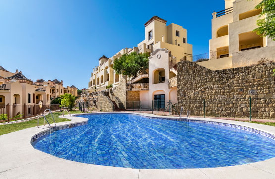 Piso en venta en Estepona, Málaga, Calle Doña Lucia Resort, 146.100 €, 2 habitaciones, 2 baños, 108 m2