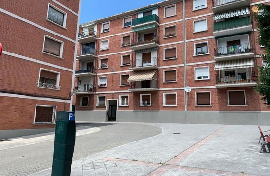 Piso en venta en Milagrosa, Pamplona/iruña, Navarra, Plaza Santa Cecilia, 151.000 €, 3 habitaciones, 1 baño, 80 m2