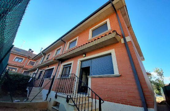 Casa en venta en San Miguel del Camino, Valverde de la Virgen, León, Calle 28 de Julio, 161.000 €, 4 habitaciones, 2 baños, 221 m2