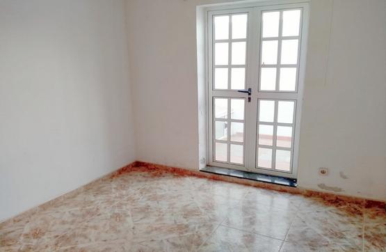 Piso en venta en Piso en Santa Lucía de Tirajana, Las Palmas, 158.400 €, 3 habitaciones, 2 baños, 103 m2