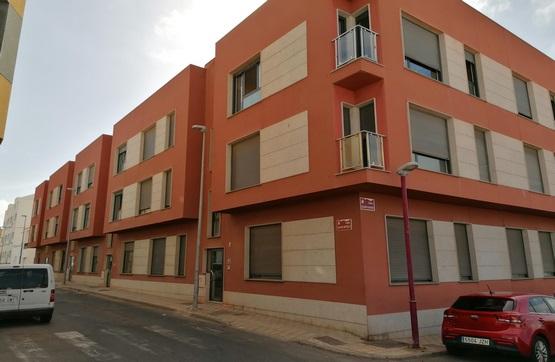 Piso en venta en Puerto del Rosario, Las Palmas, Calle Calvo Sotelo, 111.000 €, 2 habitaciones, 1 baño, 75 m2
