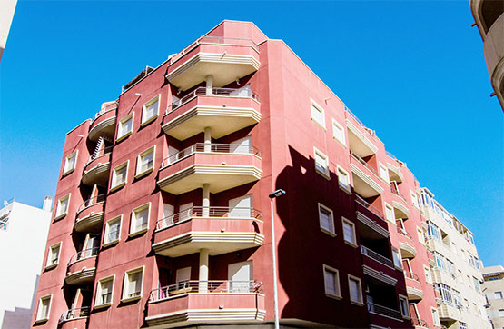 Piso en venta en Urbanización Calas Blancas, Torrevieja, Alicante, Calle Rambla Juan Mateo Garcia-ed.tiare, 52.290 €, 1 habitación, 1 baño, 52 m2