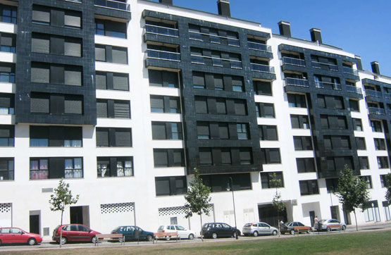 Piso en venta en Llaranes, Avilés, Asturias, Calle Luz Casanova, 220.786 €, 2 baños, 105 m2