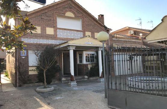 Casa en venta en Alameda de la Monjas, Meco, Madrid, Calle los Leones, 334.800 €, 4 habitaciones, 4 baños, 201 m2