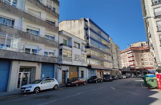 Piso en venta en Vilagarcía de Arousa, Pontevedra, Calle Via Lopez Ballesteros, 51.000 €, 2 habitaciones, 2 baños, 91 m2