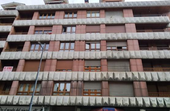 Piso en venta en Cangas del Narcea, Asturias, Camino Camiño Uria, 180.000 €, 4 habitaciones, 2 baños, 223 m2