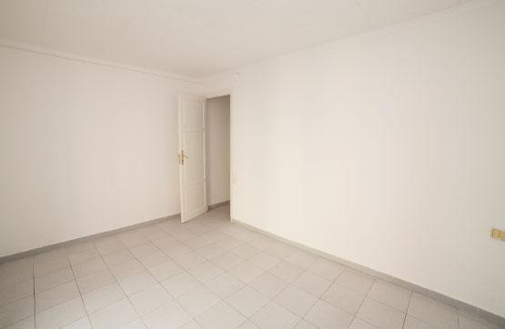 Piso en venta en Rambla de Ferran - Estació, Lleida, Lleida, Calle Comtes D`urgel, 46.200 €, 3 habitaciones, 1 baño, 74 m2