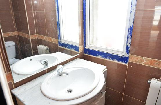 Piso en venta en Barrio Das Cascas, Betanzos, A Coruña, Calle Venezuela, 44.359 €, 3 habitaciones, 1 baño, 85 m2