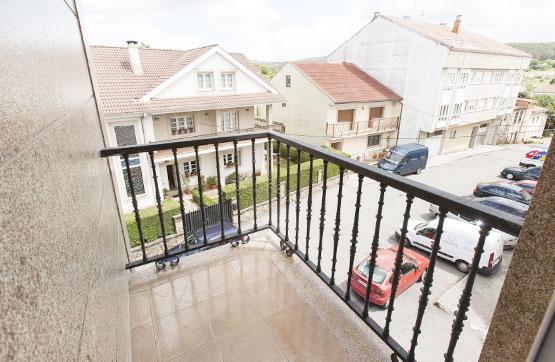 Piso en venta en Noia, A Coruña, Calle Pontevedra Cunqueiro, 82.080 €, 3 habitaciones, 2 baños, 94 m2