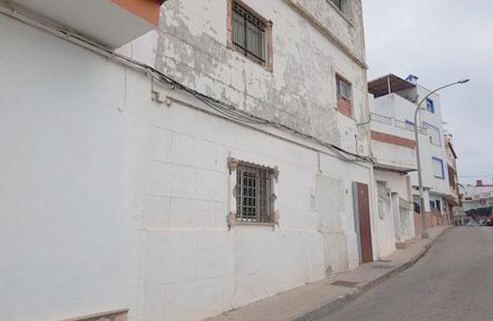 Casa en venta en Algeciras, Cádiz, Calle Algodonales, 69.000 €, 4 habitaciones, 3 baños, 230 m2