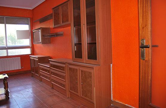 Piso en venta en Venta de Baños, Palencia, Calle Recesvinto, 46.000 €, 3 habitaciones, 1 baño, 115 m2