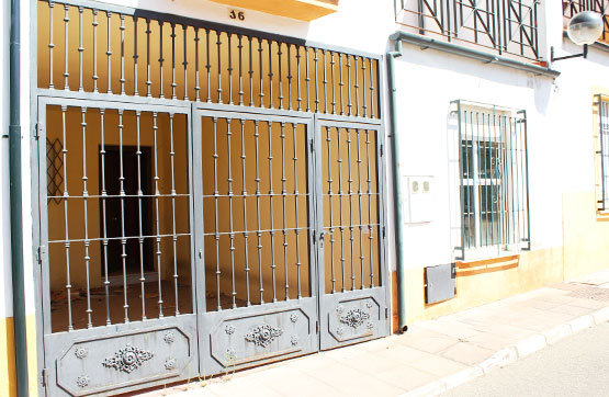Casa en venta en Distrito Centro, Córdoba, Córdoba, Calle la Espiga, 117.075 €, 4 habitaciones, 2 baños, 126 m2