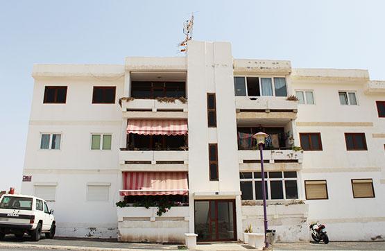 Piso en venta en El Charco, Puerto del Rosario, Las Palmas, Calle Federico García Lorca, 78.000 €, 3 habitaciones, 1 baño, 88 m2