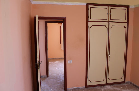 Piso en venta en Piso en Puerto del Rosario, Las Palmas, 75.930 €, 3 habitaciones, 1 baño, 88 m2