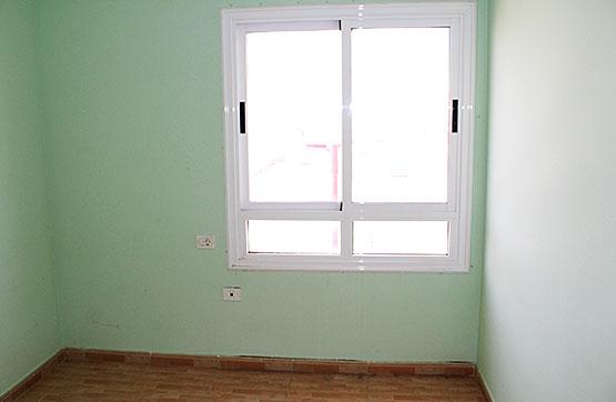 Piso en venta en Piso en Puerto del Rosario, Las Palmas, 79.000 €, 3 habitaciones, 1 baño, 58 m2