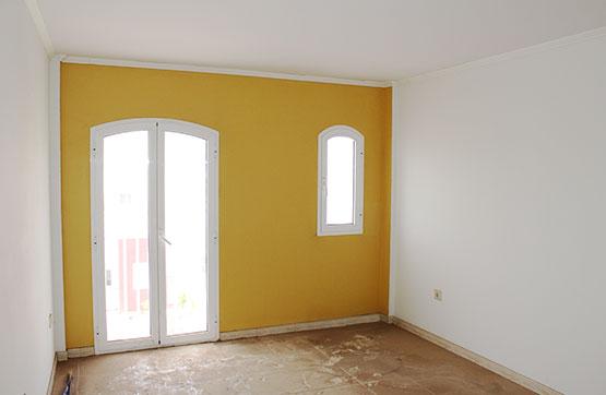 Piso en venta en La Charca, Puerto del Rosario, Las Palmas, Calle Sevilla, 96.000 €, 2 habitaciones, 1 baño, 78 m2