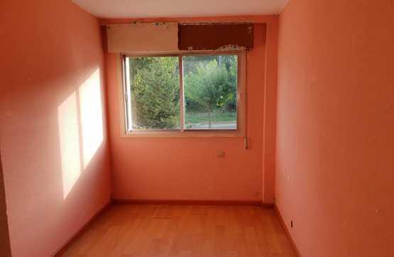 Piso en venta en Piso en O Porriño, Pontevedra, 43.100 €, 4 habitaciones, 1 baño, 77 m2