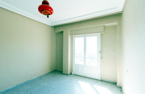 Piso en venta en Calahorra, La Rioja, Calle Julio Longinos, 66.800 €, 3 habitaciones, 1 baño, 71 m2