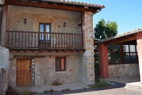 Casa en venta en Castillo Siete Villas, Arnuero, Cantabria, Barrio la Pedrosa, 163.000 €, 3 habitaciones, 1 baño, 218,19 m2