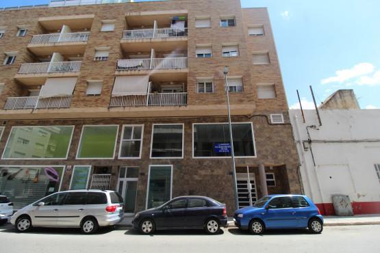 Piso en venta en Mas de Miralles, Amposta, Tarragona, Calle Sant Cristofol, 65.700 €, 2 habitaciones, 2 baños, 85 m2