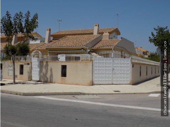 Casa en venta en Pilar de la Horadada, Alicante, Avenida Costa Blanca Esquina Av. Rio Segura, Pilar de la Horadada, 185.000 €, 4 habitaciones, 2 baños, 120 m2