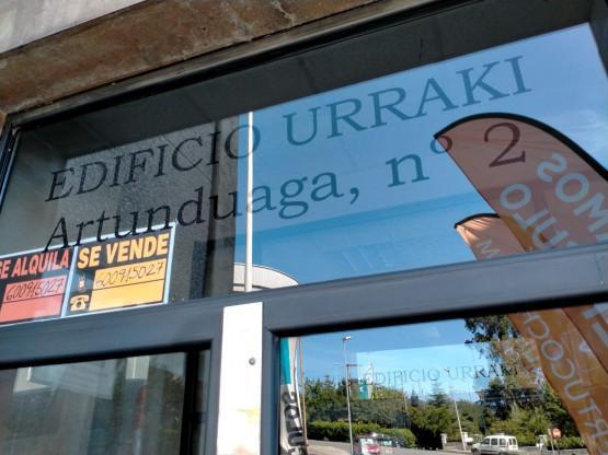 Local en venta en Esquibien, Basauri, Vizcaya, Calle Artunduaga, 74.000 €, 134 m2