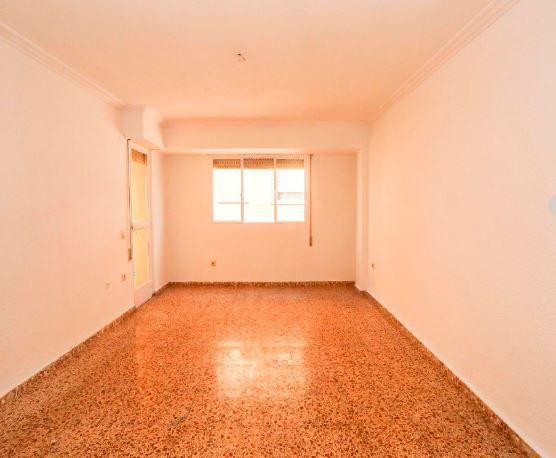 Piso en alquiler en Valencia, Valencia, Calle Montesa, 640 €, 4 habitaciones, 1 baño, 112 m2