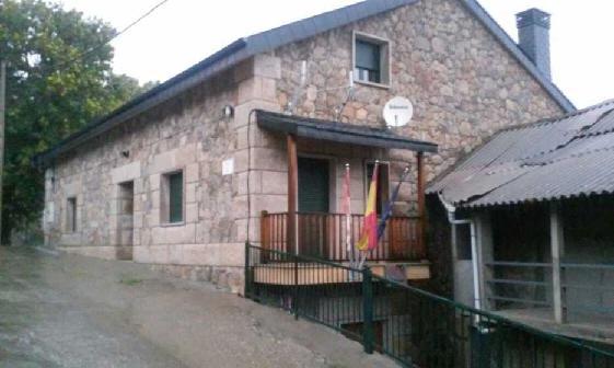 Casa en venta en Lubián, Zamora, Calle Adil Hedroso, 285.646 €, 4 habitaciones, 438 m2