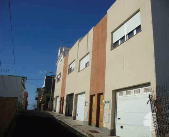 Piso en venta en Anaga, Santa Cruz de Tenerife, Santa Cruz de Tenerife, Calle Jose Arado Y Canal, 82.500 €, 3 habitaciones, 2 baños, 78 m2