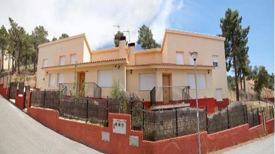 Casa en venta en Vegas de Matute, Segovia, Urbanización Monte Vegas - Fase 4, 79.900 €, 3 habitaciones, 2 baños, 131 m2
