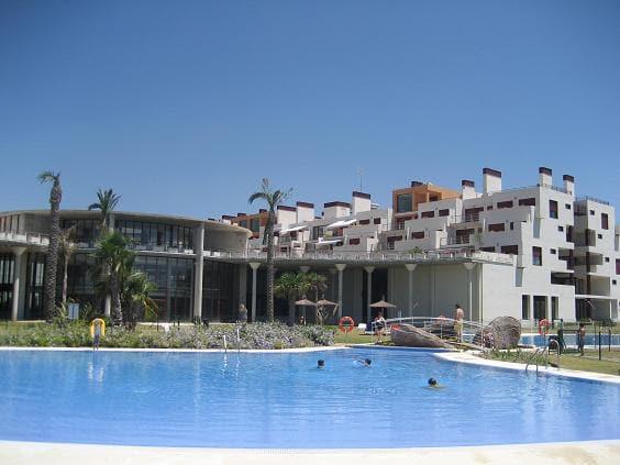 Piso en venta en Benahavís, Málaga, Calle Parque Bótanico la Lomas de Guadalmina, 274.000 €, 2 habitaciones, 2 baños, 127 m2