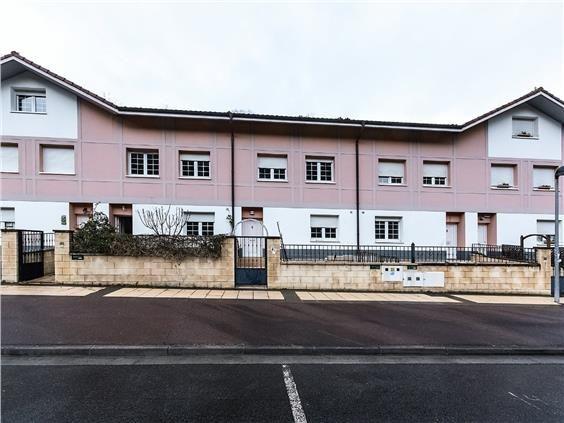 Casa en venta en Eskoriatza, Guipúzcoa, Calle Kuatruena Auzoa, 295.000 €, 3 habitaciones, 3 baños, 190 m2
