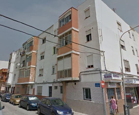 Piso en venta en La Línea de la Concepción, Cádiz, Calle Guadalajara, 34.500 €, 2 habitaciones, 1 baño, 66 m2
