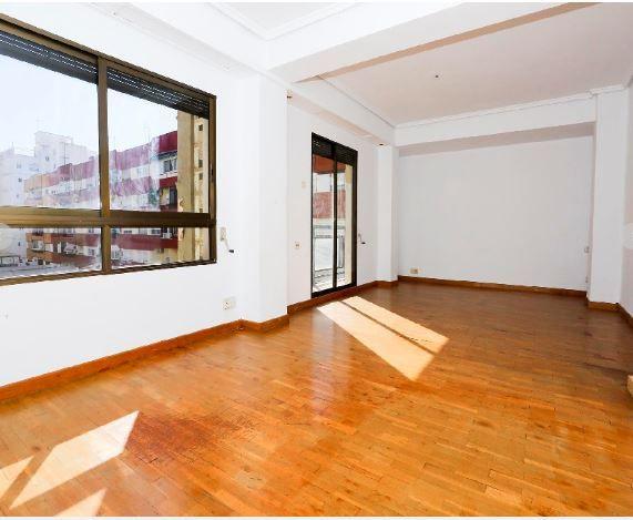 Piso en alquiler en Valencia, Valencia, Calle Jesus, 635 €, 2 habitaciones, 93 m2
