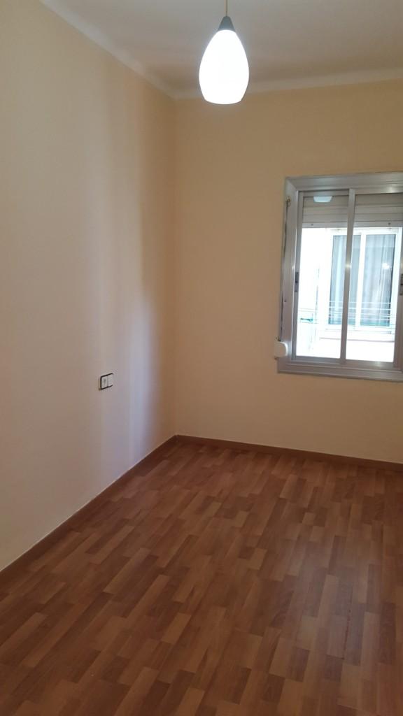 Piso en venta en Gavà, Barcelona, Avinguda de L`eramprunyà, 125.000 €, 3 habitaciones, 1 baño, 65 m2