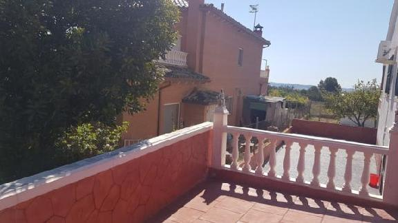 Casa en venta en La Bisbal del Penedès, Tarragona, Calle Logroño, 225.214 €, 5 habitaciones, 2 baños, 240 m2